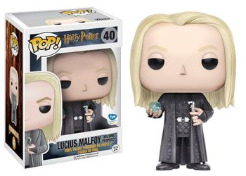 image de Lucius Malfoy (Holding Prophecy)